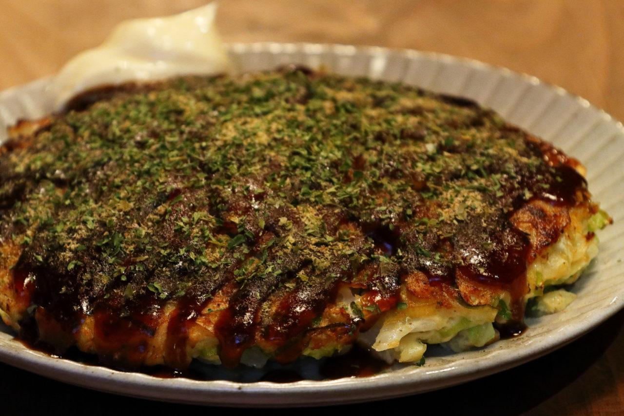 https://www.milkbar.jp/wp/wp-content/uploads/2020/08/food_okonomiyaki-1280x853.jpg